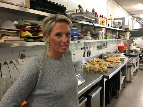 Hilde Peeters van de gelijknamige bakkerij. Haar man Tom merkte als eerste de waterpanne op.