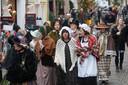 In Deventer is het tijdens het Dickens Festijn erg gezellig. Maar ook hier wordt de beveiliging zichtbaar opgeschaald.