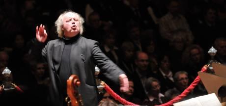 Elburgse dirigent Pieter Jan Leusink beschuldigd van seksueel grensoverschrijdend gedrag