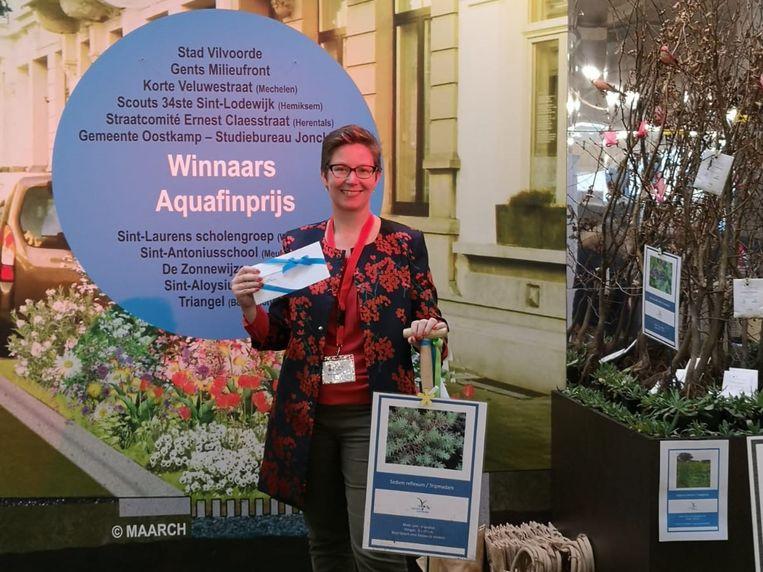 Milieuschepen Barbara de Bakker mocht de prijs namens de stad in ontvangst nemen.
