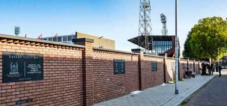 Fans hekelen 'tikfouten' in panelen nieuwe stadionmuur GA Eagles