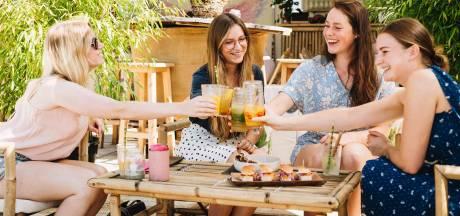Wat is hét drankje van deze zomer? (En nee, het is niet rosé of prosecco)