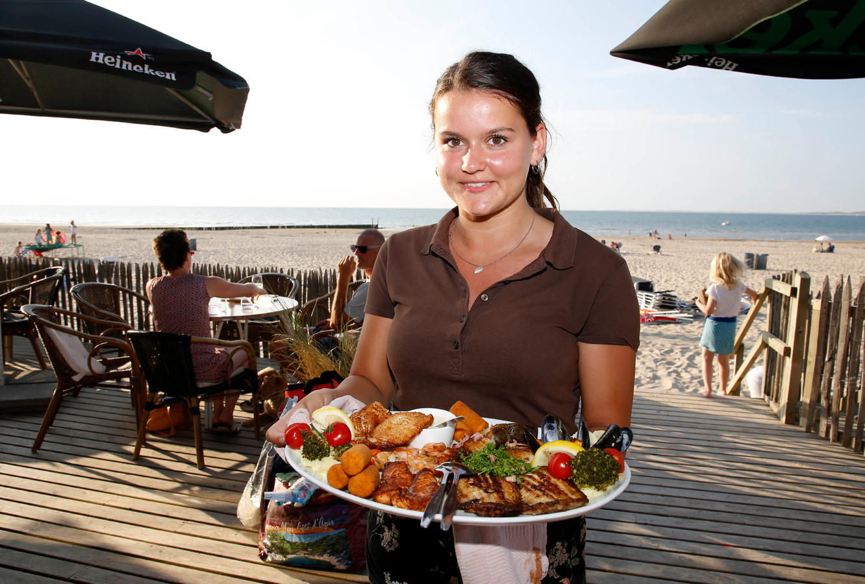 Lieve Khanna van Strandpaviljoen Groede aan Zee