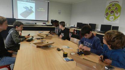 Leerlingen Middenschool volgen integratielessen Elektromechanica en Industriële ICT in Atheneum