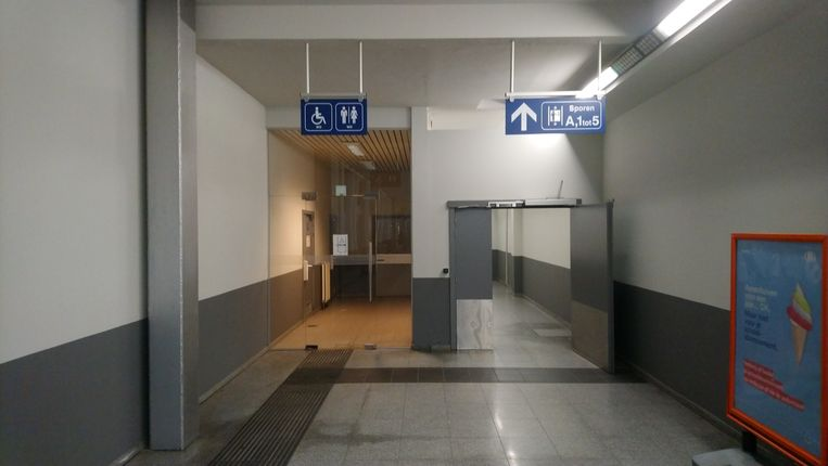 De toiletten in het station van Sint-Niklaas zijn opnieuw open, tot grote opluchting van vele reizigers.