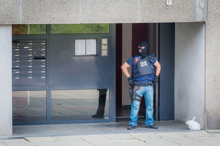 Archiefbeeld: een agent in  de Peterboswijk.