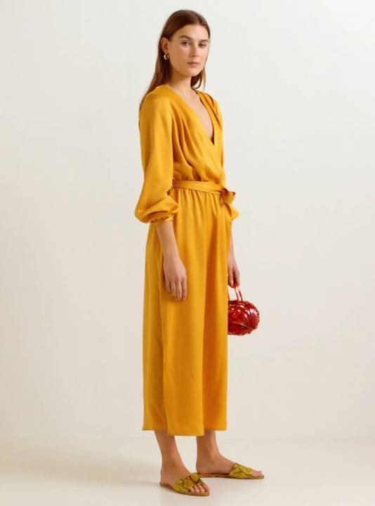 Robe en satin jaune - 69,99 euros