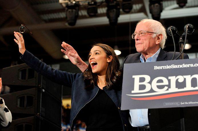 Alexandria Ocasio-Cortez se revendique du socialisme démocrate de Bernie Sanders.