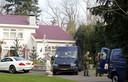 Agenten deden in 2010 en 2012 invallen in villa's in Rosmalen.  Enkele bewoners staan terecht in een ontnemingszaak.  Het Openbaar Ministerie wil de woningen verbeurd laten verklaren.