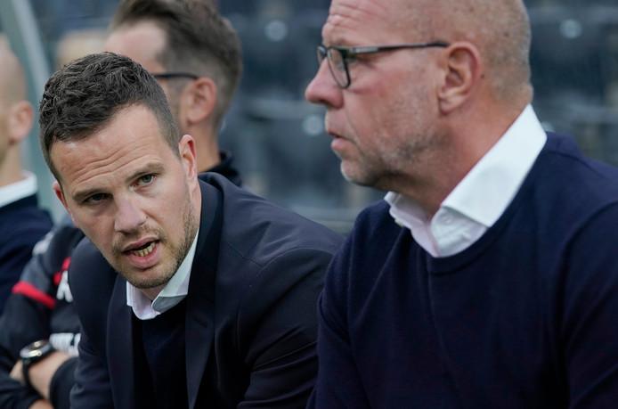 Algemeen directeur Frank van Mosselveld (l) met hoofdtrainer Fred Grim.