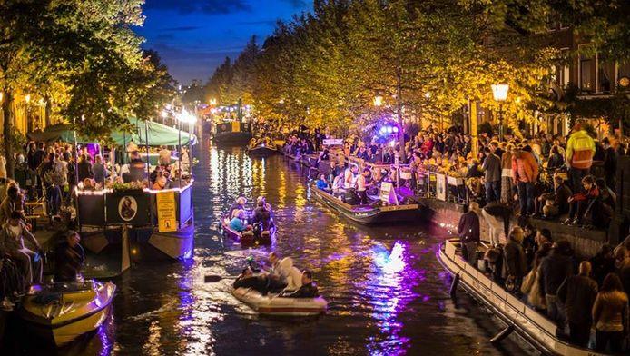 Den Haag wil meer reuring op de grachten, zoals hier met muziekfestival Jazz in de gracht.