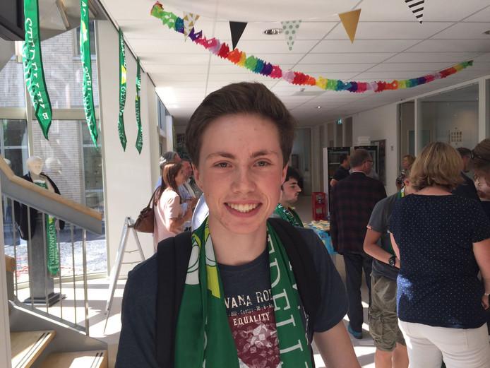Ward van der Schoot (18) uit Breda haalde zes tienen, maar gaat natuurkunde nog herkansen