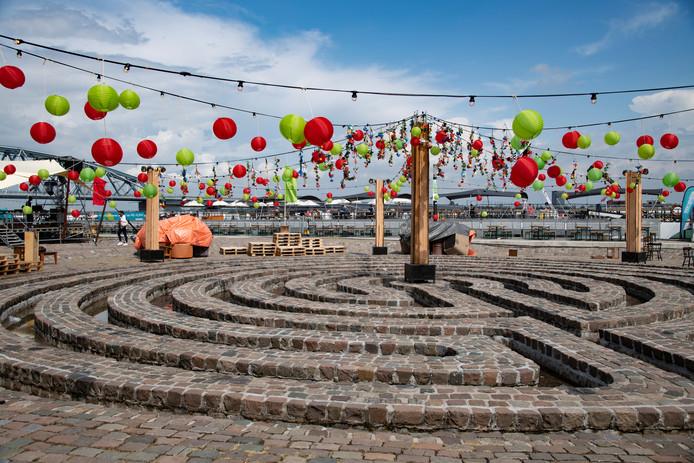Labyrinth op de Waalkade.