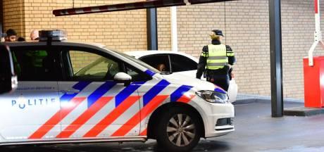 Belgische man die Helmonder met schroevendraaier in oog stak vandaag voor rechter
