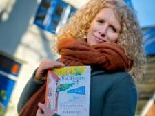Op een ochtend besloot Kit de huizen in haar straat in Driebergen te tekenen, een half jaar ligt er een boek met alle tekeningen