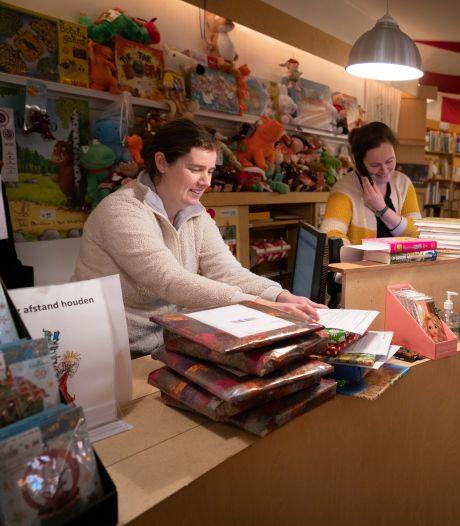 De lockdown knaagt, maar Arnhemse boekhandels blijven strijdvaardig: 'Met pijn en moeite slaan we ons hier doorheen'