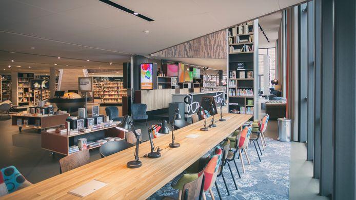 De bibliotheken, zoals Theek5 in Oosterhout, blijven voorlopig nog dicht.  En dus wordt op een andere manier service verleend aan de lezers.
