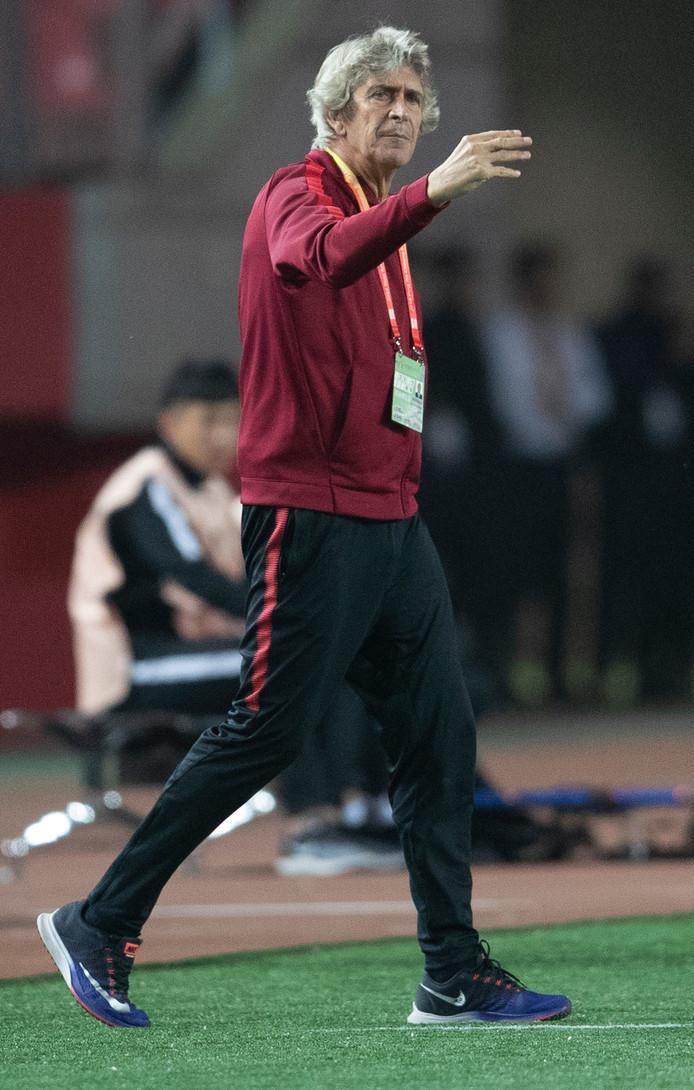 Manuel Pellegrini als trainer van Hebei China Fortune.