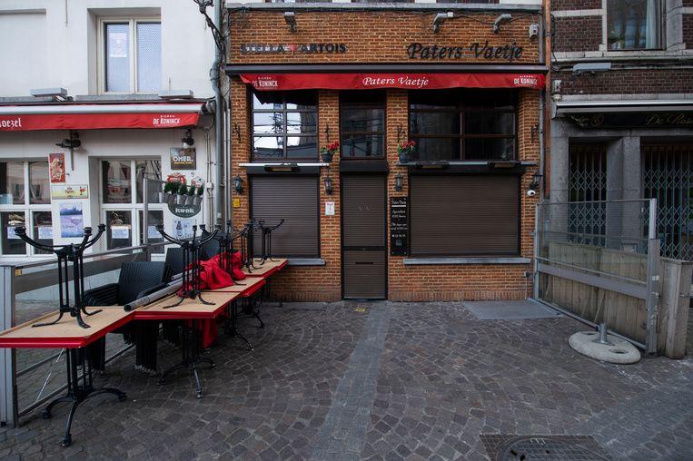 De verlaten cafés in Antwerpen
