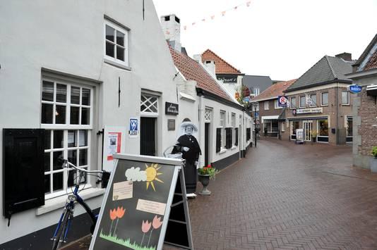 De VVV-winkel van Sint-Oedenrode is gevestigd in het Sint-Paulusgastgebouw.