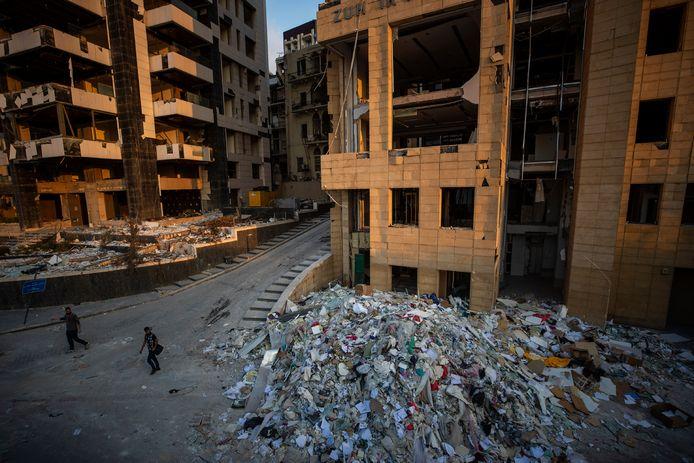 Een groot deel van de Libanese hoofdstad Beiroet ligt in puin na de explosie.