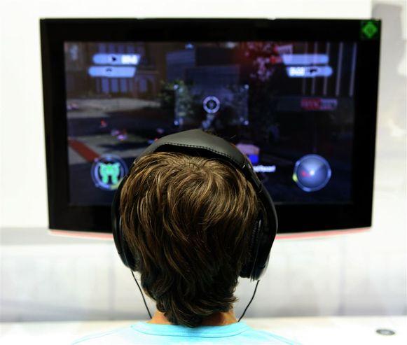 Wie jonger is dan 16 jaar, mag niet langer dan anderhalf uur per dag spelen.