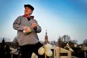 Rien Vermaire uit Hilvarenbeek, in 2018 overleden, beroerde voor zijn historische cabaretvoorstellingen ook de rommelpot.