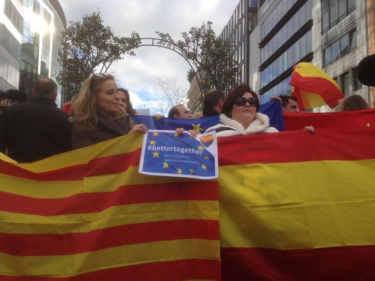 Ook demonstranten tegen de onafhankelijkheid van Catalonië lieten zich vandaag horen in Brussel.