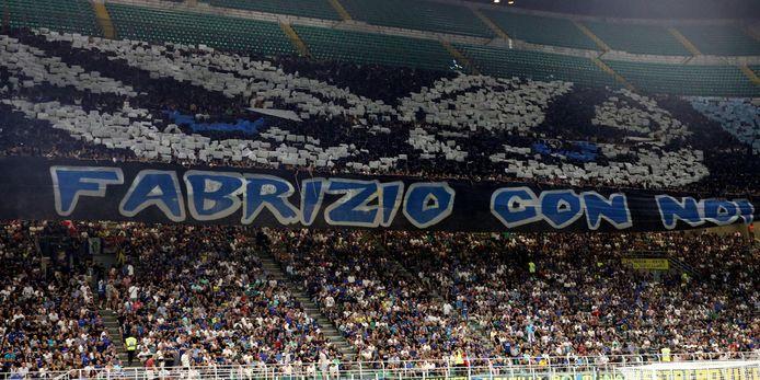 Voor de match tegen Lecce brachten de fans van Inter een eerbetoon aan de vermoorde Fabrizio Piscitelli of Diabolik, de koning van de extreem-rechtse ultra's en jarenlang de leider van de harde kern van Lazio.