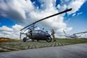 De PAL-V moet de grensverleggende vliegende auto worden. Hier staat het prototype op Breda International Airport in Bosschenhoofd.