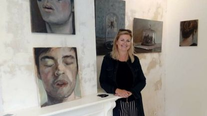 Laatbloeier in schilderkunst Els Moerenhout (52) houdt allereerste vernissage