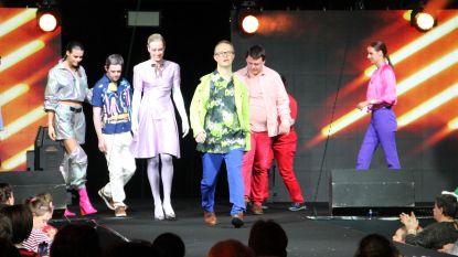 """Mensen met een beperking en modellen schitteren samen op de catwalk: """"Je kan niet elke dag met een Miss België mode showen, hé"""""""