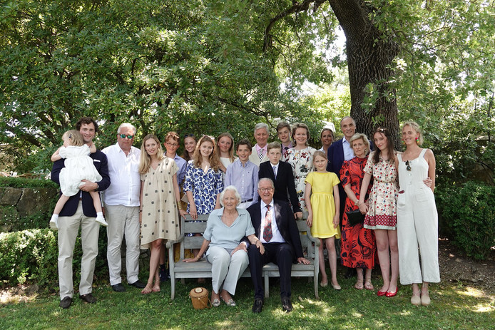La famille royale était au grand complet, à l'exception du prince Joachim, le fils de la princesse Astrid et du prince Lorenz.