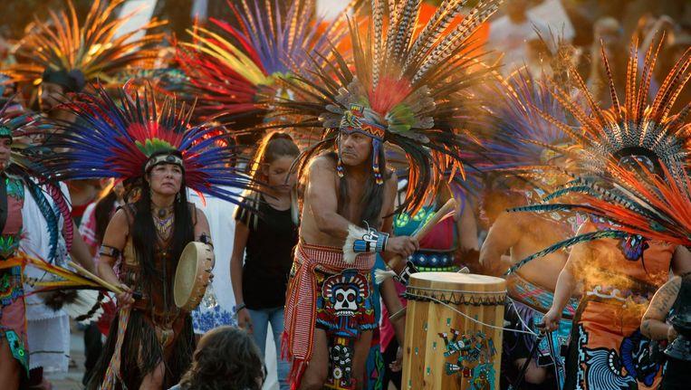 Indianen betuigen in Colorado hun solidariteit met de Sioux uit Noord-Dakota, die protesteren tegen de Dakota Access Oil Pipeline. Beeld ap