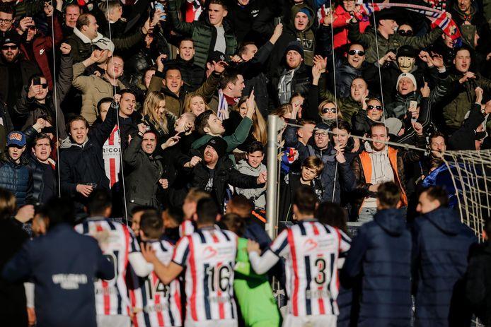 Feest in het Koning Willem II Stadion na de eerste thuiszege in 2019, tegen grote rivaal NAC (2-0).
