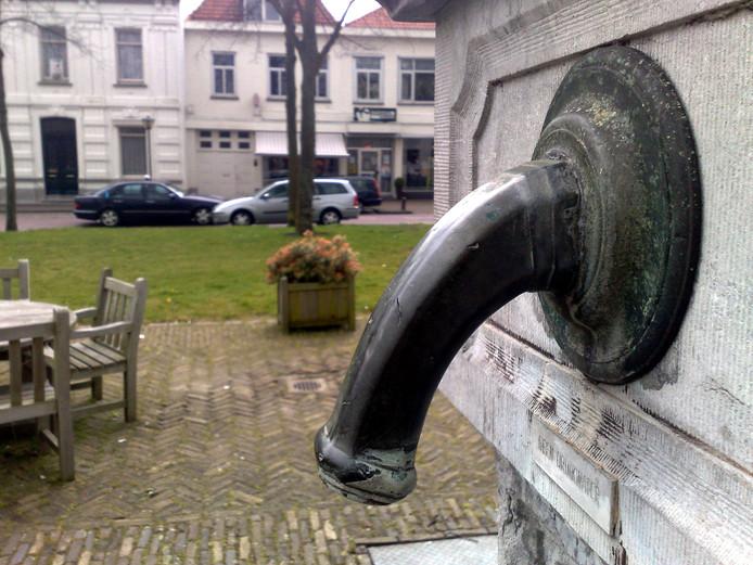 De waterpomp bij restaurant Mijn Keuken in Wouw.