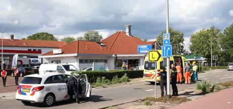 Vrouw valt in Culemborg van scooter en moet naar het ziekenhuis