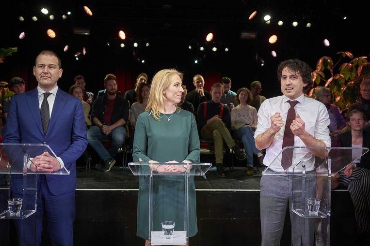 Lodewijk Asscher (PvdA), Lillian Marijnissen (SP) en Jesse Klaver (GroenLinks) in maart tijdens een gezamenlijke bijeenkomst. Met hun drie partijen willen ze vaker samenwerken om zo sterker oppositie te voeren tegen het kabinet. Beeld ANP