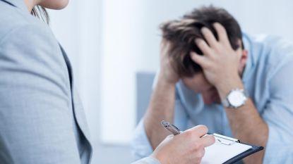 """Burn-outprofessor heeft buik vol van negativiteit: """"We hoeven niet bang te zijn om hard te werken. Het is alsof daar vandaag een taboe op rust"""""""