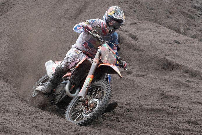 Jeffrey Herlings in actie op het circuit in Valkenswaard.