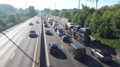 E40 even versperd door ongeval in Erpe-Mere: lang aanschuiven richting Brussel