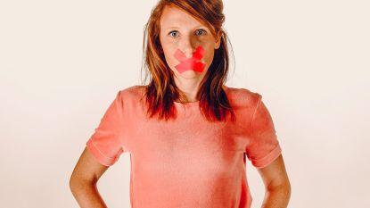 Radiopresentatrice Linde Merckpoel houdt haar mond (en dat is makkelijker gezegd dan gedaan)