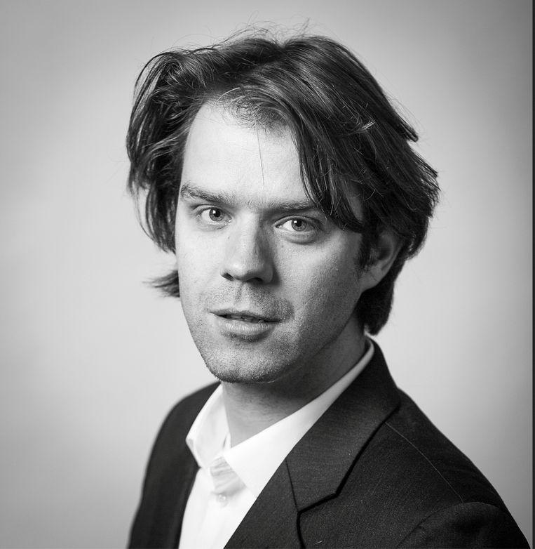 Arend Hulshof is journalist en schrijver van onder andere Rijpstra's ondergang, een boek over goed en fout in de Tweede Wereldoorlog. Beeld