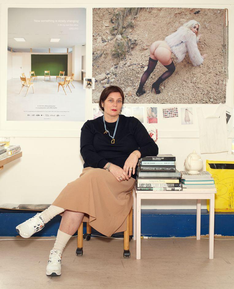 Regisseur Menna Laura Meijer in haar kantoor in Rotterdam. Beeld Daniel Cohen