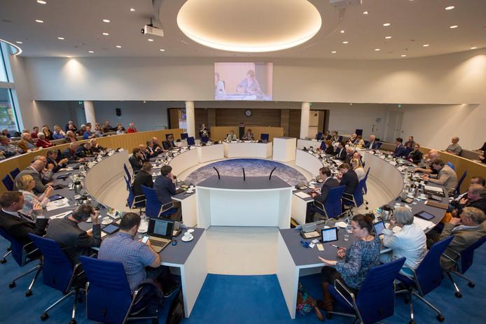 Een vergadering van de Almelose gemeenteraad. Foto: Robin Hilberink