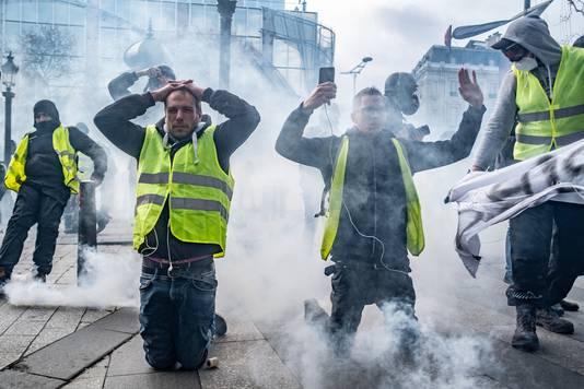 In Frankrijk liepen gele hesjes-betogingen volledig uit de hand.