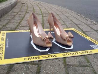 Vrouw & Maatschappij strijdt tegen geweld tegen vrouwen met 'crime scenes' in het straatbeeld