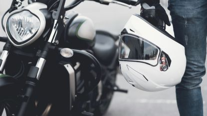 Motorfiets aan de ketting