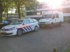 Arrestatieteam doet inval in woning Enschede, 1 aanhouding