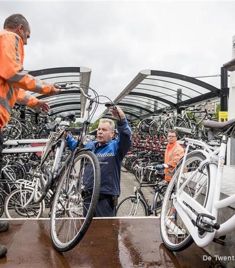 Foute fietsparkeerders voortaan direct op de bon in Borne